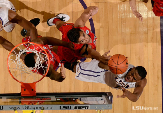 LSU Tigers sweep Ole Miss with 73-63 win