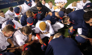 Ole Miss defeats Gators 4-1 in Game 1