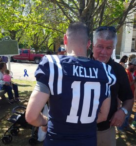 Chad Kelly talks with Pontotoc County sheriff's office Chief Deputy Randy Roberts Saturday. (Photo credit: Allen Maxey)