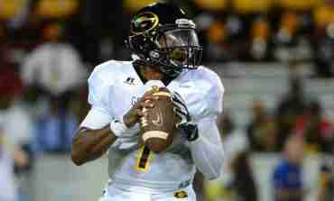 DeVante Kincade named to Walter Payton Award Watch List