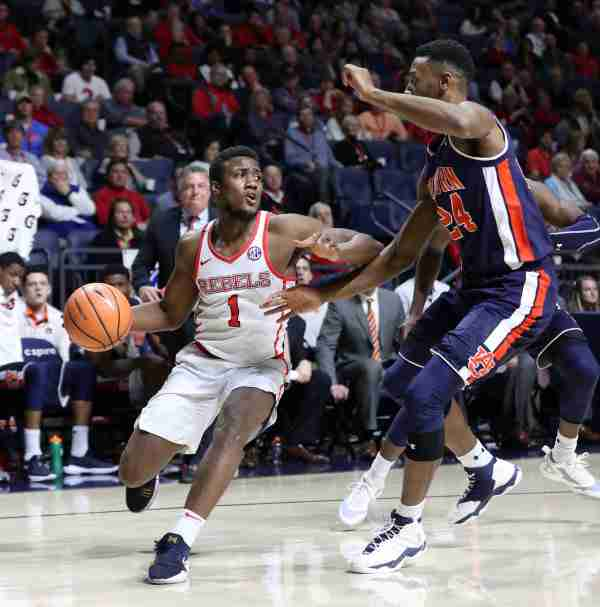 Ole Miss Falls to No. 18 Tennessee, 91-64