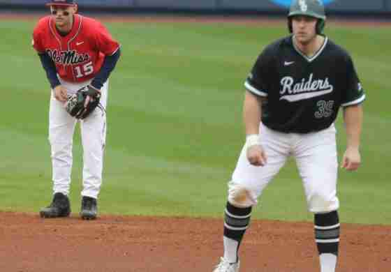 Wright State evens series after 9-5 win over Ole Miss