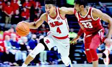 Hoops Gallery: Arkansas 76, Ole Miss 72
